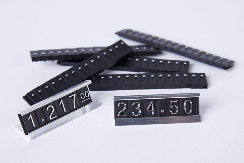 Doplňková sada 16ti znaků se symbolem tečky - Stříbrná