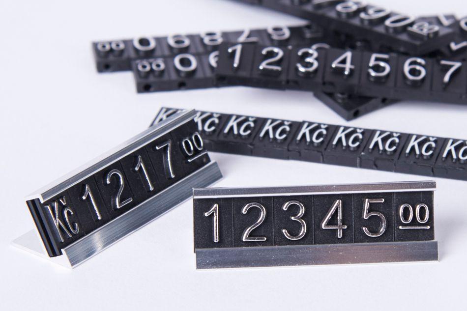 Plastové 3D Cenovky na hliníkovém stojánku - Sada Kč - Stříbrný prolis