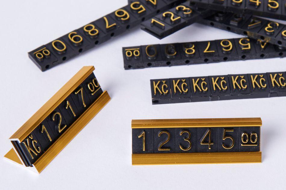 Plastové 3D Cenovky na hliníkovém stojánku - Sada Kč - Zlatý prolis