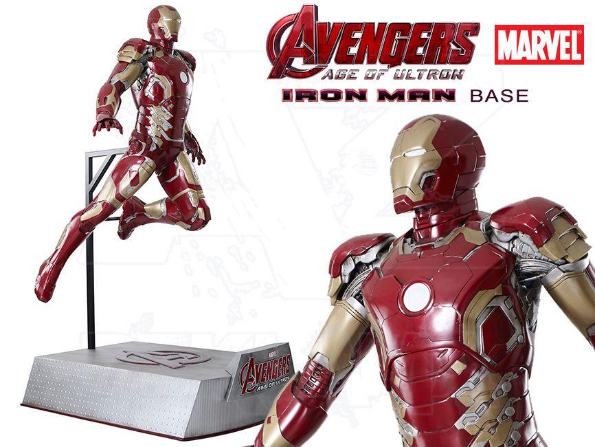 Filmová Figura v životní velikosti - IRON MAN letící s podstavcem - Avengers 2 Age of Ultron