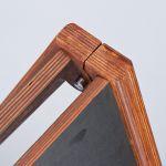 Dřevěný poutač Wooden Host s křídovou tabulí A-Z Reklama CZ