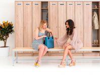 Dřevěné šatní skříně
